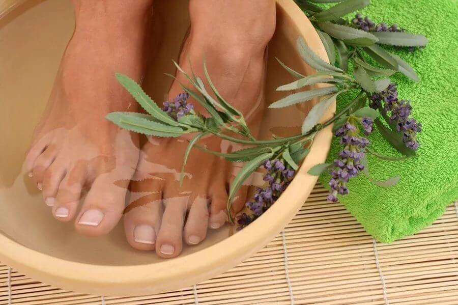 Лечение грибка ногтей нашатырным спиртом
