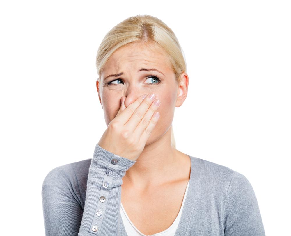 Есть ли неприятный запах при молочнице