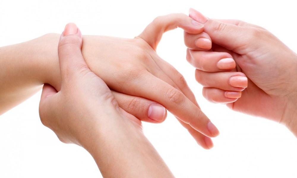 Бородавка возле ногтя